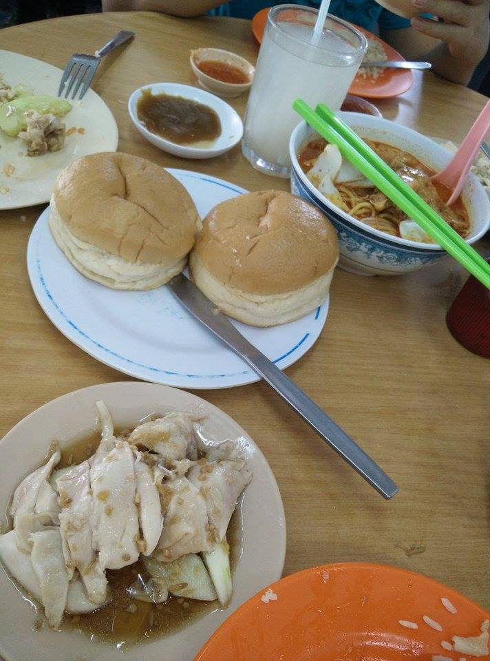 This was in Klang. Taman Ngee Ann. One of those coffee shops that retained its cramped, noisy, and bustling form.  Chicken rice, laksa, and steamed kaya butter bun.