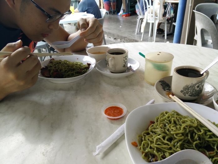 this was breakfast no.1 out of 4 breakfasts that morning. Green noodles. No idea what they're called, but bloody cheap, like most hawker stall food in Kuching