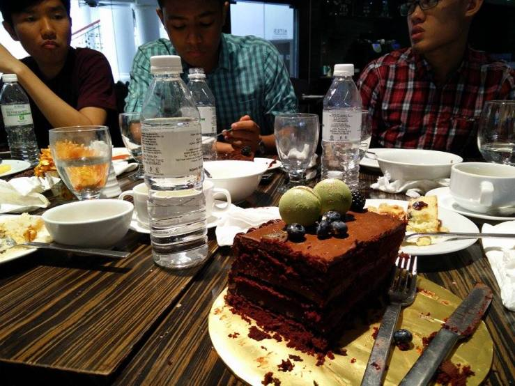 the red velvet cake was good tho