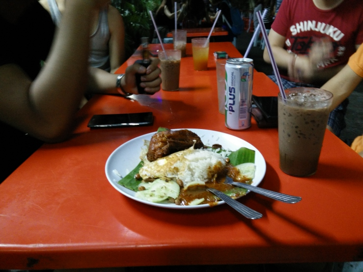 nasi lemak bumbung + milo ais = OMFG I AM GONNA MISS MALAYSIAN FOOD